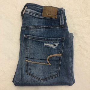 AEO distressed skinny jeans high rise